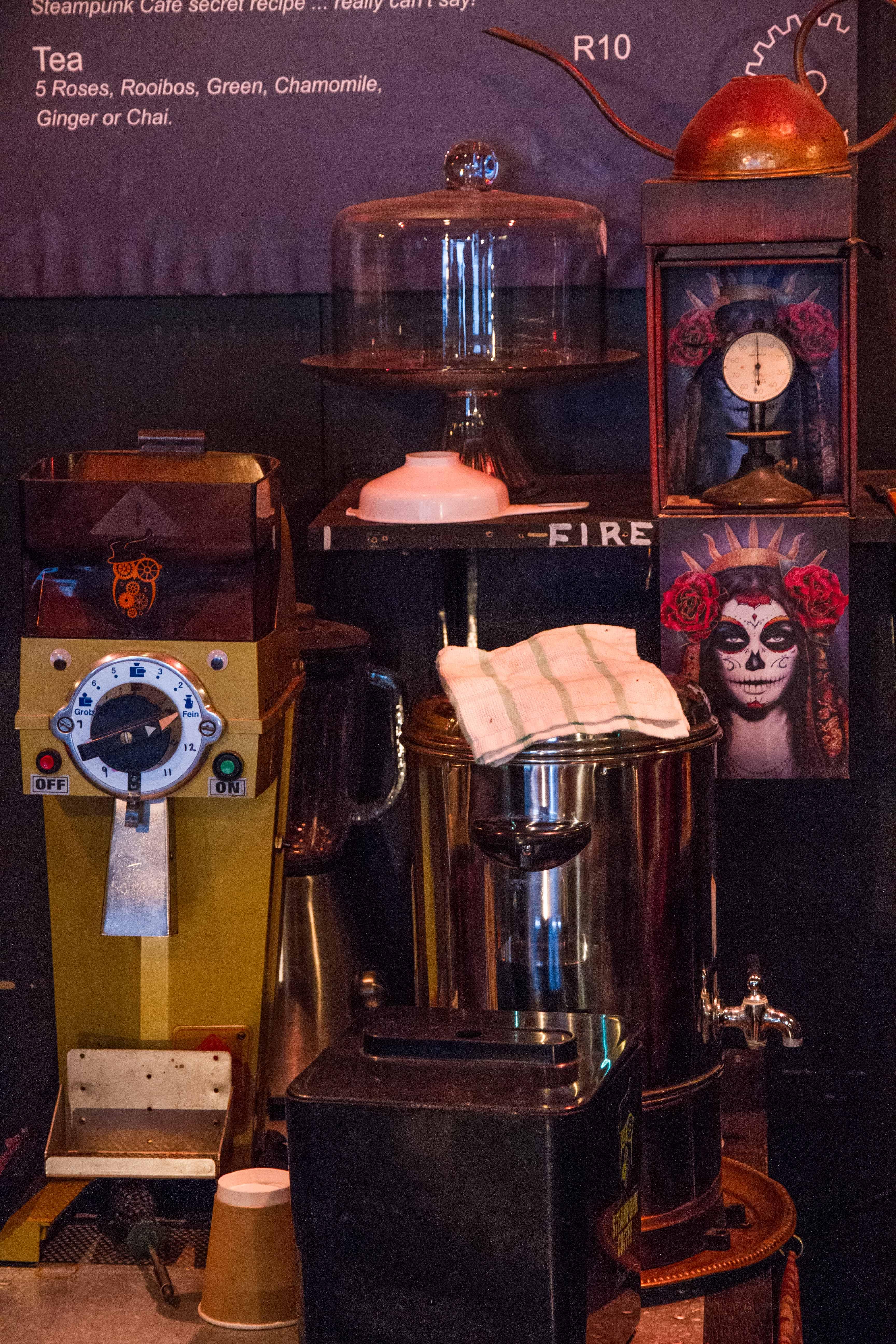 Steampunk Cafe (1)
